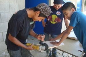 Desk repair in San Antonio el Cornejo